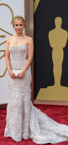 2014 THE 86th OSCARS ACADEMY AWARDS Red Carpet - Kristen Bell gorgeous in a frosty white Roberto Cavalli