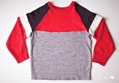 A cool way to upcycle a sweater so that it fits your ever-growing children! Like the color blocking