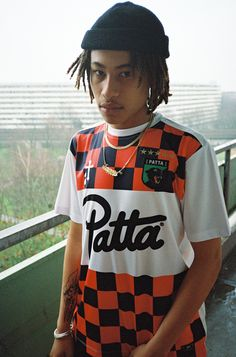 Behind The Scenes By culturfits Classic Football Shirts, Vintage Football Shirts, Sport Fashion, Mens Fashion, Fashion Photo, Style Fashion, Hip Hop Sneakers, Jersey Outfit, Football Fashion
