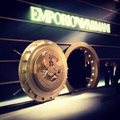 Les Armani caveau Giorgio Armani, Emporio Armani, Pop Up, Window Fitting, Branding, Commercial, Windows, Spaces, Shopping