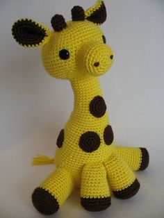 Amigurumi Giraffe Hi Ladies! Today I would like to give you information about Amigurumi type knitting. And for now our topic is amigurumi giraffe doll which is very eas. Cute Crochet, Crochet Crafts, Crochet Dolls, Yarn Crafts, Knit Crochet, Diy Crafts, Giraffe Toy, Giraffe Pattern, Giraffe Crochet