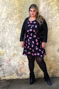 Xica Vaidosa - Julia Plus - moda plus size - plus size fashion - plus size casual look - look gordinha - fatshion - fatshionista - psootd - look do dia plus size - fun print - vestido plus size - plus size dress