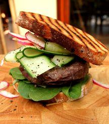 Joburg.co.za - Healthy Ostrich Burger Burger Recipes, Meat Recipes, Ostrich Meat, Burger Night, Best Places To Eat, Restaurant Bar, Burgers, Sandwiches, Beef