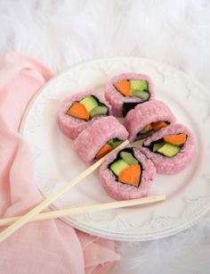 Easy Homemade Pink Sushi Recipe For Breast Cancer Awareness Sushi Recipes, Asian Recipes, Cute Food, Yummy Food, Healthy Food, Dessert Chef, Enjoy Your Meal, Tout Rose, Snacks Saludables
