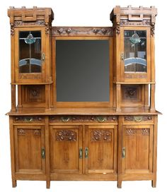 French Art Nouveau buffet in walnut, early 20th. Century.