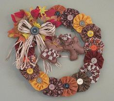 Mr & Mrs Gingerbread on YoYo Fall Wreath by heartfeltexpressions Fall Crafts, Holiday Crafts, Diy Crafts, Wreath Crafts, Diy Wreath, Wreath Fall, Fabric Crafts, Sewing Crafts, Sewing Projects