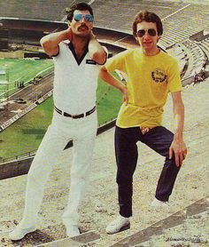 Freddie and John at Morumbi Stadium, San Paolo, during their South American 'Bites The Dust' tour on March 1981 Freddie & John two were just cute. Queen Photos, Queen Pictures, Queen Images, John Deacon, Roger Taylor, We Will Rock You, Queen Freddie Mercury, Queen Band, Queen Queen