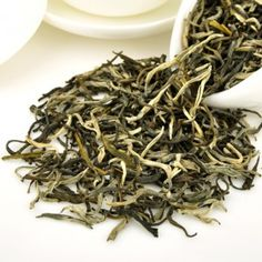 Jasmine has a refreshing effect, can stable mood and relieves depressed.Have a weak stomach, chronic bronchitis and other respiratory diseases should be drinking more. Jasmine Tea, Flower Tea, Depressed, Drinking, Tasty, Mood, Beverage, Drink, Drinks