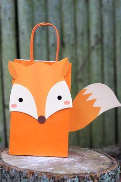 Fox Favor Bag DIY Fox Party Theme Favor Bags The post Fox Favor Bag & Kid& Birthdays appeared first on Forest party theme . Fox Party, Baby Party, Animal Party, Fox Birthday, Boy Birthday Parties, Birthday Ideas, Diy Party Bags, Party Favor Bags, Party Ideas