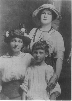 This Is My Great Grandmother Ella With 4th Daughter Lula V. (Standing) And Ethel M. 7th Daughter.  She Was The Wife Of Bedford .