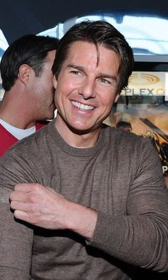 'I love this country': Tom Cruise delights fans at the 'Edge of Tomorrow' premiere in Toronto Tom Cruise Short, Edge Of Tomorrow, Celebrity Dads, Celebrity Style, My Tom, Mission Impossible, Hollywood Actor, Hugh Jackman, Actor