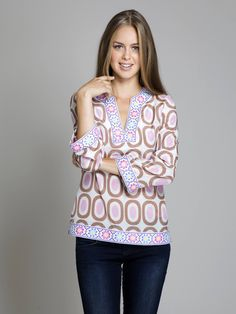 Love the tunic <3 my mother would look so pretty in this love the neck.