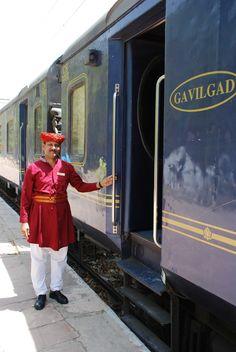 Indian Maharaja : Delhi to Mumbai by Luxury Train
