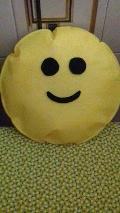 Cuscino smile fatto a mano💜