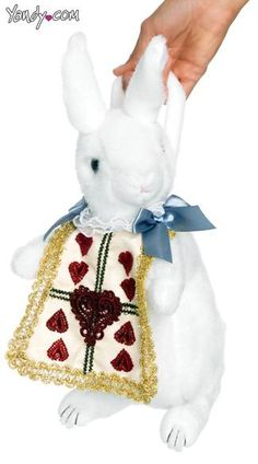 Looking for White Rabbit Purse - Alice in Wonderland Costume Accessories Party Supplies? White Rabbit Purse - Alice in Wonderland Costume Accessories? We can connect you with white rabbit purse alice in wonderland costume accessories Halloween Costume Accessories, Sexy Halloween Costumes, Christmas Costumes, Halloween Ideas, Trendy Halloween, Fantasy Costumes, Scary Halloween, Alice In Wonderland Rabbit, Alice In Wonderland Costume