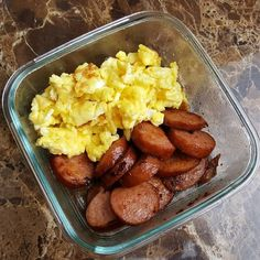 Creative Low Carb Food Ideas, Fun Snacks & Simple LCHF Meals - LCHF Breakfast Foods: BBQ Smoked Sausage & Scrambled Eggs Source by lowcarbtraveler. Healthy Meal Prep, Healthy Drinks, Healthy Snacks, Healthy Eating, Simple Snacks, Creative Snacks, Meal Prep Low Carb, Meal Prep For The Week Low Carb, Low Carb Lunch