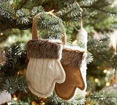 Add holiday cheer to your home with Pottery Barn's Christmas decorations, ornaments and lights. Pottery Barn has everything you need to put you in the Christmas spirit. Christmas Tree Toppers, Diy Christmas Ornaments, How To Make Ornaments, Christmas Projects, Holiday Crafts, Christmas Holidays, Pottery Barn Christmas, Woodland Christmas, Rustic Christmas