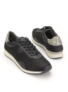 Tamaris-23604 | Durlinger Schoenen  Zwarte sneakers van Tamaris. Deze damesschoenen zijn voorzien van een leren voetbed.