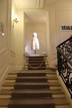 "Photo de l'album Dior ""les journées particulières"" - inside Dior Avenue Montaigne - the craftsmen and craftswomen behind the magic - GooglePhotos Atelier Dior, Christian Dior, Craftsman, Stairs, Magic, Album, Google, Photos, Home Decor"