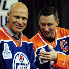"""@edmontonjournal's photo: """"Mark Messier, left, and Wayne Gretzky at the 1984 Edmonton Oilers Stanley Cup team reunion media conference at Rexall place in Edmonton on Oct. 8, 2014. Photo by Bruce Edwards / Edmonton Journal #oilers #Oilers84 #oilersreunion #gretzky #messier #hockey #nhl #yeg #edmonton #alberta #canada"""""""