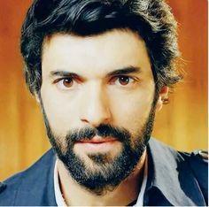 Kara Para Ask - Prljavi novac i ljubav Hairy Men, Bearded Men, Men Beard, Hairy Chest, Turkish Actors, Best Actor, Looking Gorgeous, Cool Photos, Handsome