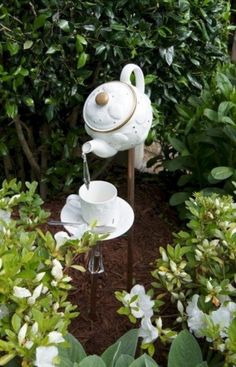 Beautiful and Easy DIY Vintage Garden Decor Ideas On a Budget You Need to Try Right Now No 55