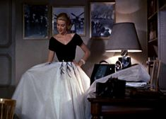 Grace Kelly has the most beautiful wardrobe in this movie.  I wish I could have clothes like these.