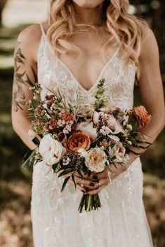 This Foothills Boho Farm Wedding will make all of your Colorado wedding dreams come true! Boho Wedding Bouquet, Bride Bouquets, Chic Wedding, Floral Wedding, Wedding Colors, Wedding Flowers, Dream Wedding, Wedding Day, Wedding Dresses