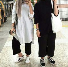 Hijab Casual, Hijab Style, Hijab Chic, Hijab Outfit, Muslim Women Fashion, Modern Hijab Fashion, Modest Fashion, Fashion Outfits, Hijab Collection