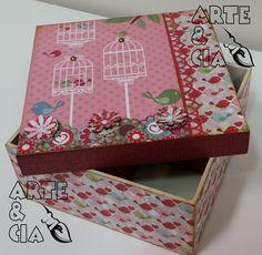 Caixa de MDF com técnicas de Scrapbook - Tema: Passarinho (lateral)