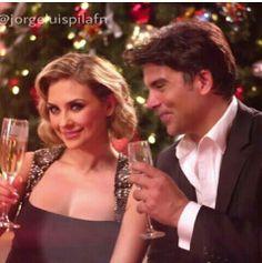 En los promos d Telemundo para la Navidad 2013 @jorgeluiapila #jorgeluispila y @Aracely Arambula Fans #aracelyarambula