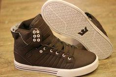 pengen sepatu ini