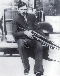 Clyde Barrow (3/24/1909)-(5/23/1934)