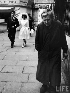 Paris 1963 by Alfred Eisenstaedt   Reminds me of the first chapter in notebooks of malte lauridds brigge (rilke)