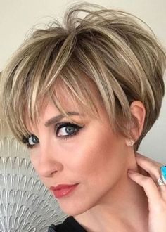 Women's Short Human Hair Wigs Short Straight Lace Front Wigs - hair cuts and colors - Cheveux Short Hairstyles For Thick Hair, Short Straight Hair, Short Pixie Haircuts, Short Hair Cuts, Wig Hairstyles, Short Hair Styles, Summer Haircuts, Pixie Cuts, Short Hair Back View
