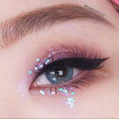 makeup korean style make up . Makeup Eye Looks, Cute Makeup, Pretty Makeup, Korean Eye Makeup, Asian Makeup, Makeup Korean Style, Eye Makeup Glitter, Eyeshadow Makeup, Makeup Eyes