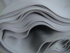 Schaumstoff, grau   10 lfm x 135cm , Stärke 3,5mm    per Meter € 1,00