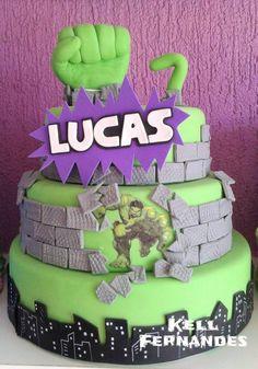 Bolo fake Hulk Hulk Birthday, 4th Birthday Cakes, Superhero Birthday Party, Girl Birthday, Lego Hulk, Hulk Cakes, Hulk Party, Superhero Spiderman, Avenger Cake