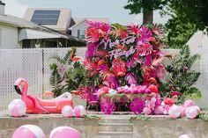 Birthday Bash, First Birthday Parties, Birthday Party Themes, First Birthdays, 19th Birthday, Pool Party Favors, Diy Party, Tropical Party, Tropical Decor