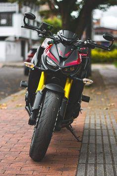 Honda Sport Bikes, New Android Phones, Sneakers Outfit Men, Best Photo Background, Trike Motorcycle, Kawasaki Motorcycles, Yamaha R1, Supersport, Super Bikes