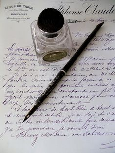Antique Ink Bottle AND Calligraphers Holder par UrbanRenewalDesigns