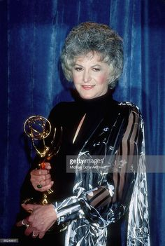 Actress Bea Arthur wins the for Outstanding Lead Actress in a Comedy Series at the 1977 Emmy awards on September 11 1977 in Los Angeles California Bea Arthur, Dorothy Zbornak, Bette Midler, I Love Girls, Bold Fashion, Golden Girls, Classic Tv, Golden Globes