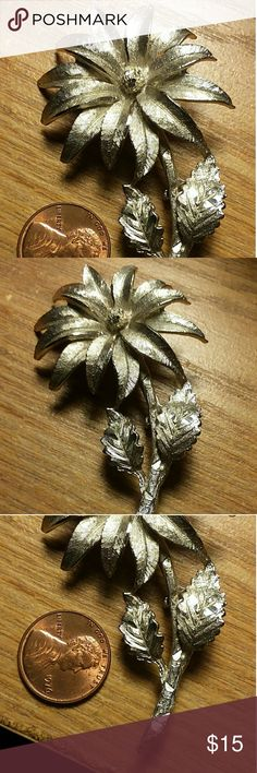 BSK silvertone flower brooch vintage EUC EUC vintage BSK silvertone flower brooch BSK Jewelry Brooches