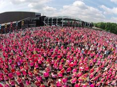 Rotterdam, Ahoy, Ladiesrun! Warming up, dresscode pink and run!