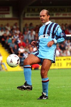 Ray Wilkins of Wycombe Wanderers in 1996.