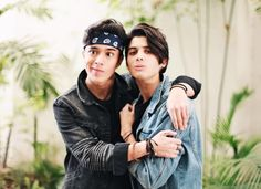 Read from the story Edits de CNCO by TeamCNCOwnerss (CNCO 💫) with 501 reads. Un poco de joerick pa' sus bodys^pandita^ Twenty One Pilots, Memes Cnco, Twitter Bio, I Love Him, My Love, Silly Faces, Becky G, Best Friend Goals, Friend Pictures