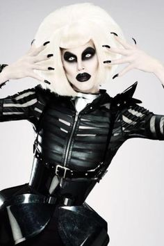 Sharon Needles, sharing responsibilities - Sharon Needles