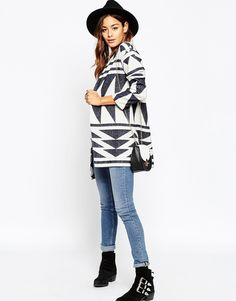 Imagen 4 de Chaqueta de lana de primera calidad con diseño de jacquard geométrico de ASOS
