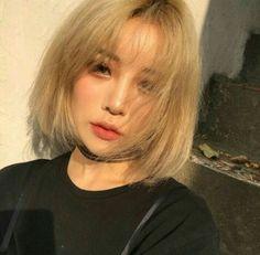 #wattpad #random Tớ thấy khá nhiều bạn đang làm Fic về Instagram và tớ cũng thấy Fic về Instagram khá thú vị và rất hay nên tớ thử làm Fic về Instagram nếu có sai sót gì thì mong mọi người góp ý tớ sẽ khắc phục và rút kinh nghiệm ?❤❤ Korean Makeup, Korean Beauty, Asian Beauty, Korean Girl, Asian Girl, Korean Ulzzang, Shot Hair Styles, Uzzlang Girl, My Hairstyle