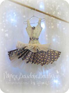 Papier Boudoir Boutique   Delightfully Dotty by lilliputloft, $42.00 Paper Art, Paper Crafts, Diy Crafts, Moda Barbie, Metal Coat Hangers, Paper Purse, Dress Card, Paper Fashion, Crepe Paper